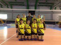 Anamur Cumhuriyet Anadolu Lisesi Kız Voleybol Takımı Mersin İl Üçüncüsü oldu
