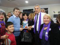 Mezitlli Down Kafe'de Ünlü Gazeteci İsmail Küçükkaya'ya yoğun ilgi