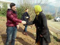 Anamurlu Ak Parti Tekirdağ Milletvekili Ayşe Doğan'dan yaralı özel harekat polisine ziyaret