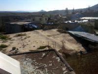 Mut'ta şiddetli fırtına çatıları uçurdu