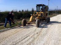 Akdeniz'de tarım yolları çiftçiyi sevindiriyor