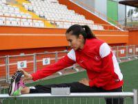 Mersinli Milli Atlet Burcu Yüksel, Türk bayrağı sevgisiyle motive oluyor