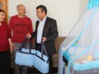 """Mut Belediyesi'nden """"Hoşgeldin bebek"""" paketi"""