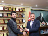 Başkan Tuna, Altın Kalem Ödülü'nü aldı