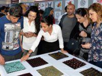 Akdeniz'de genç yetenekler eserlerini sergiledi