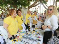 Mezitli'de Soroptimistlerden Alzheımer Derneği ve Kız Çocukları İçin Alışveriş Şenliği