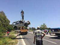 Pullu'da Araç Şarampole Yuvarlandı, 2 Yaralı