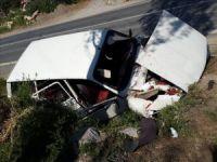 Anamur'da çilek yüklü otomobil takla attı, 2 kişi ağır yaralandı