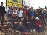 Şehit İbrahim Armut Fen Lisesi öğrencileri ağaç diktiler